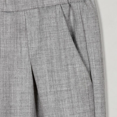 pantalon-liso-tiro-alto-gris
