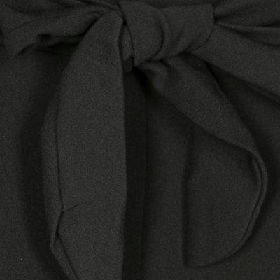 pantalon-lazo-tiro-alto-negro-una-caja-de-botones