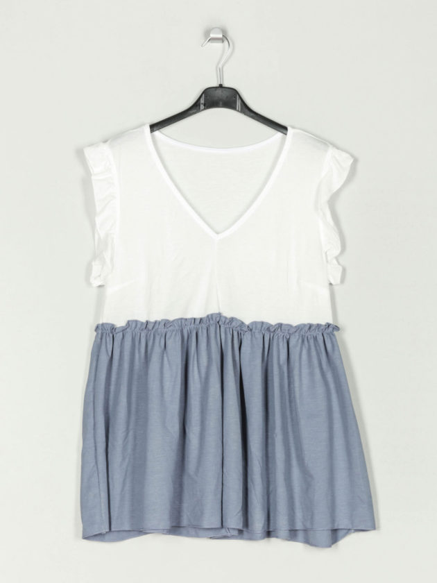 blusa-bicolor-volantes-azul-una-caja-de-botones