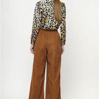 pantalon-pana-marron-compañia-fantastica