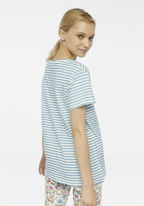 camiseta-pico-rayas-azules-compañia-fantastica