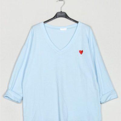 camiseta-felpa-corazon-celeste-una-caja-de-botones