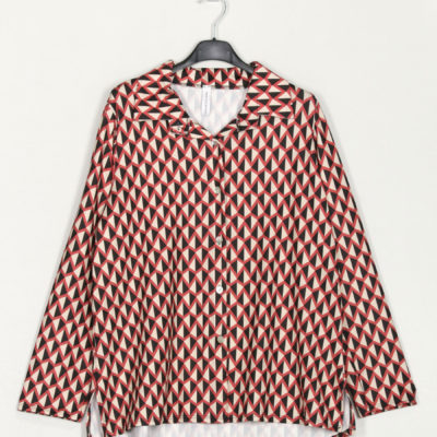 camisa-fluida-estampada-vino-una-caja-de-botones